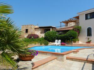 residence in sardegna con piscina